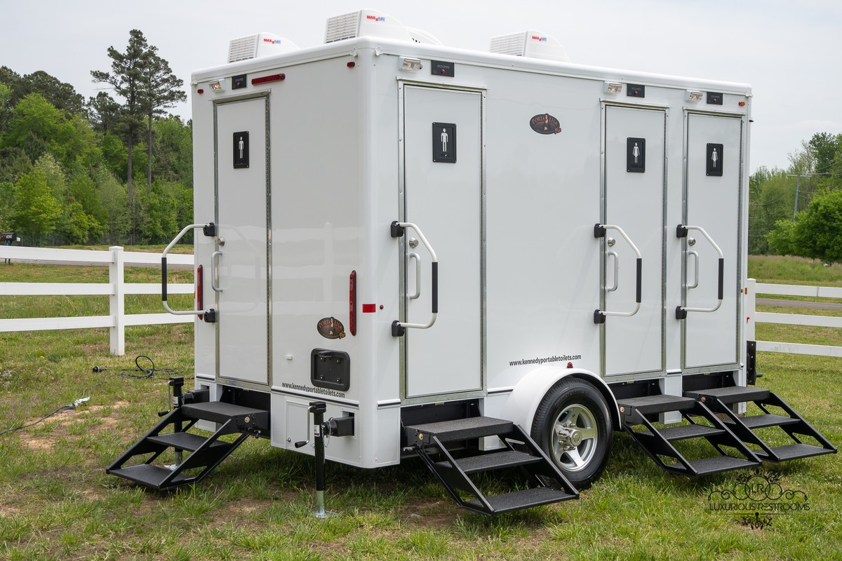 palatial loo trailer for sporting event