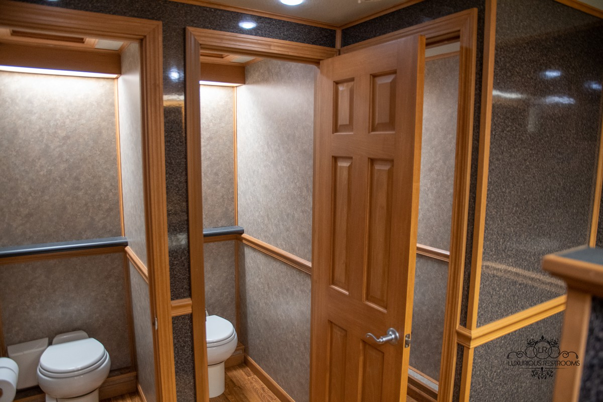 fancy lavatory trailer for concert