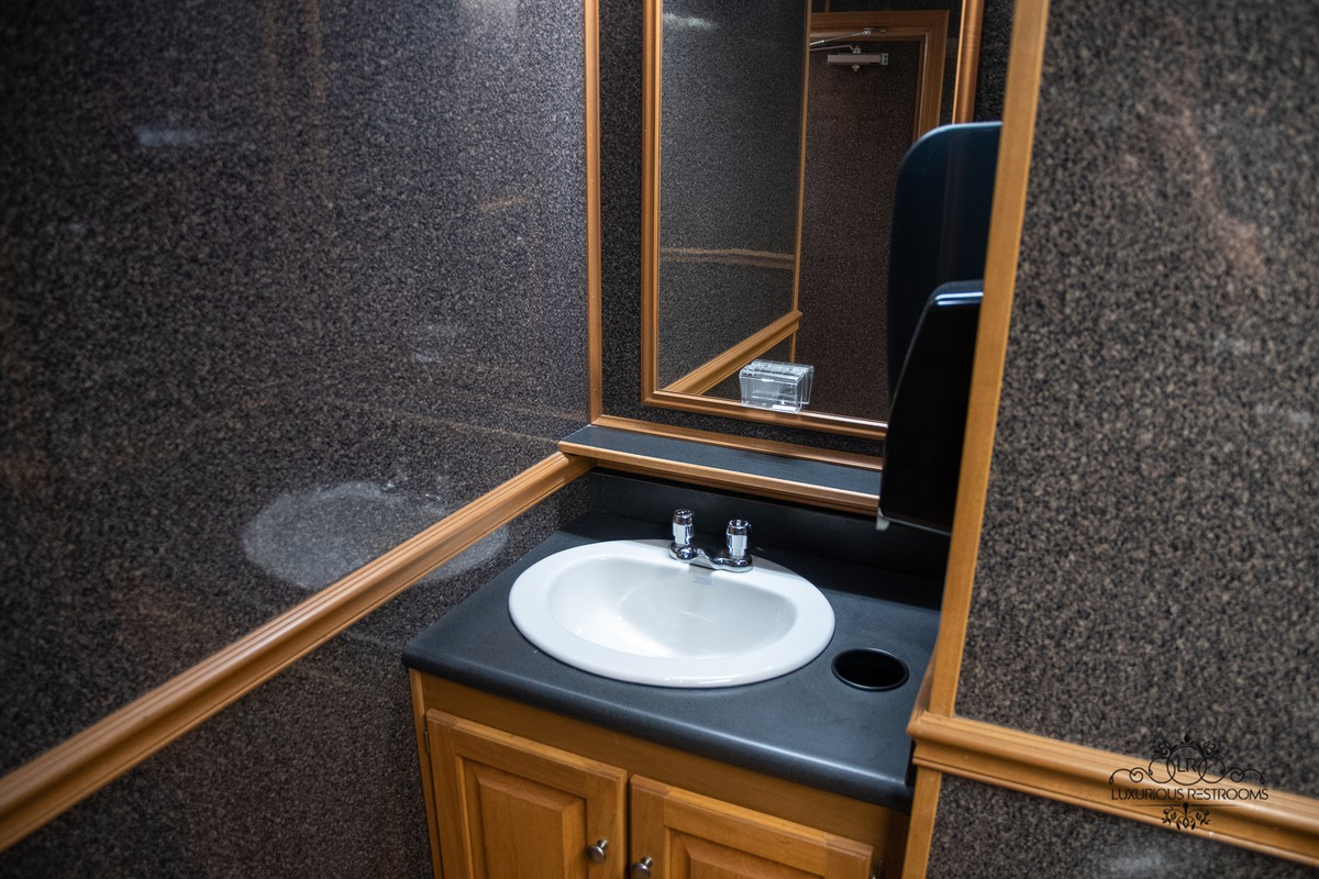 stylish lavatory trailer for gala